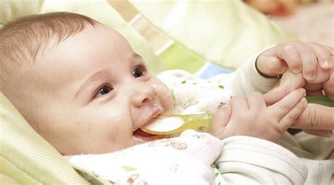 wann erster wachstumsschub baby erster babybrei wann und wie beginnst du mibaby