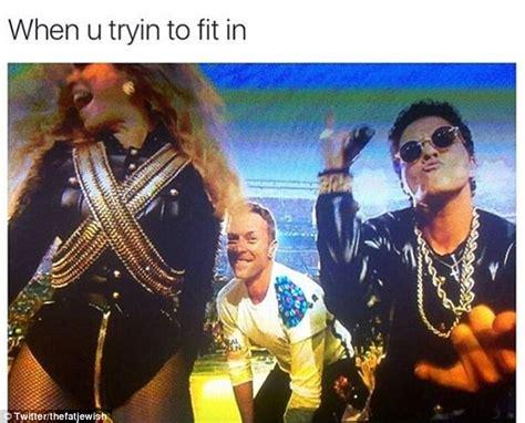 Chris Martin Meme - super bowl 50 sees twitter erupt with memes as chris