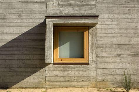 Cemento Stato by Casa In Cemento Grezzo E Legno