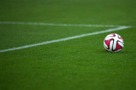 adolescent mort apr 232 s un match de foot 224 montreuil juign 233