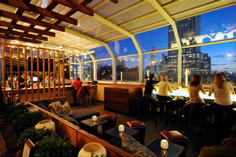 Top Roof Bars In Nyc by A Toast To The High 15 Nyc Rooftop Bars