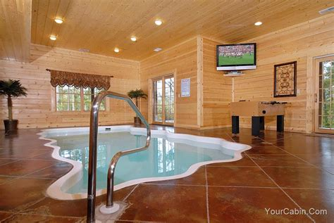 Cabins With Indoor Pools Gatlinburg Tn by Information On Gatlinburg Tennessee
