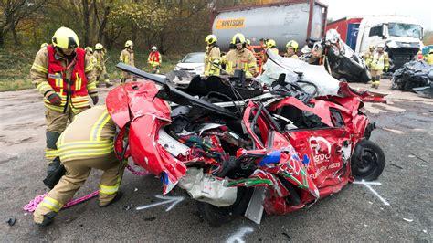 Motorradunfall A3 Gestern by T 246 Dlicher Unfall Am Stau Ende Auf Der A3 Bei Ratingen