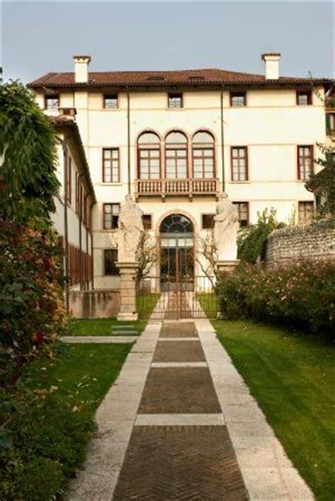 libreria roberti libreria palazzo roberti bassano grappa italien