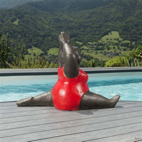 Lalique Encre Pour Ori sculpture de femme ronde statue femme ronde allonge flowa sculpture de femme cliquer pour