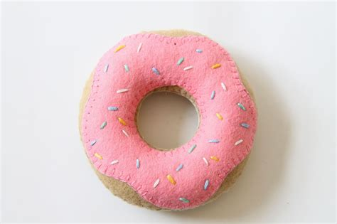 donut cusion doughnut pin cushion tutorial