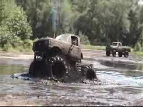 monster trucks in the mud videos monster truck muddin doovi
