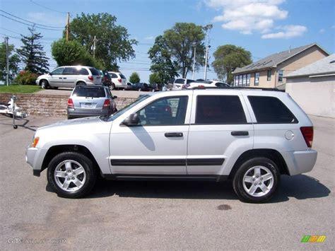 2006 bright silver metallic jeep grand cherokee laredo 4x4