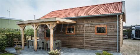 schuur en overkapping schuur met overkapping bouwen jaro houtbouw