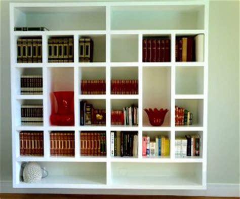disegnare una libreria cartongesso idee e vantaggi