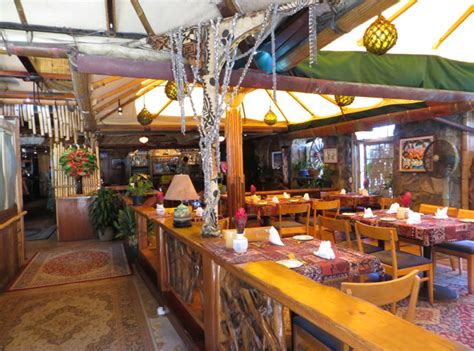 Mama's Fish House Review in Paia, Maui TravelSort
