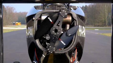 la volante la voiture volante arrive