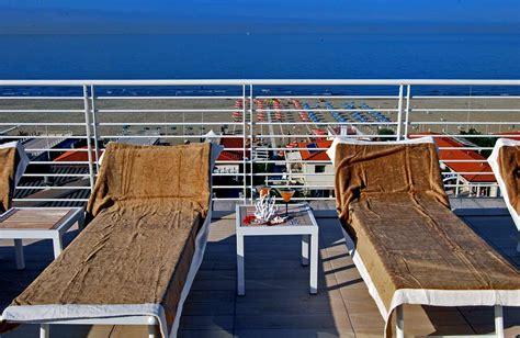 la terrazza lido di camaiore immagini hotel bracciotti piscina terrazza spazio benessere