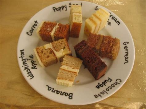 Wedding Cake Flavours by Ten Popular In Season Wedding Cake Groom S Cake Flavors