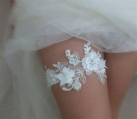Handmade Garter - ivory lace garter wedding garter handmade garters