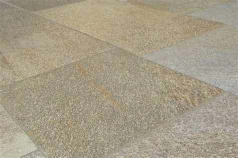 pavimenti per esterni in cemento stato pavimenti per esterni barge grigio 21 6x43 5