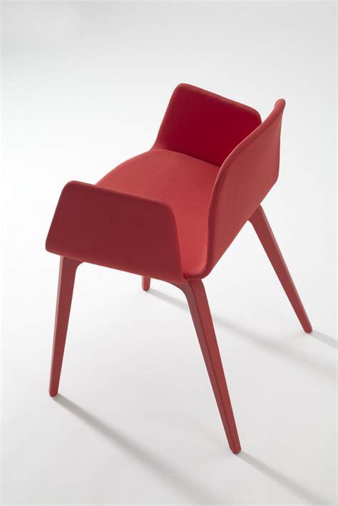 fauteuil tissu design nouveau chaise et fauteuil design scandinave en tissu pieds bois bliss blaine r 171 de