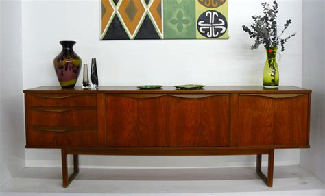 Modern Vintage Furniture by Retro Furniture Style Is Integration Classic And Modern