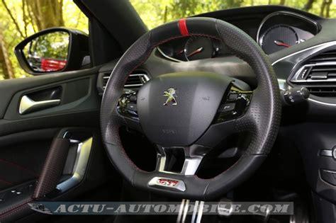 volante peugeot 308 essai peugeot 308 gti 270 sobre et efficace actu automobile