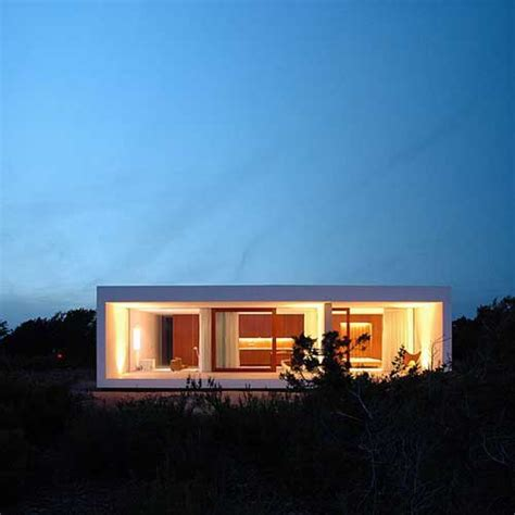 beautiful minimalist retreat in portugal house in leiria
