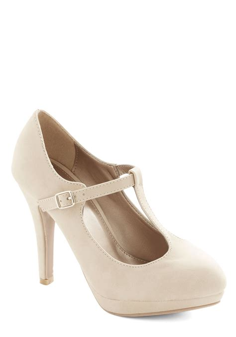 Sandal Selop Vogue Creme fashion show must go on heel in beige mod retro vintage heels modcloth