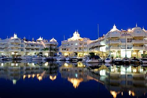 apartamentos malaga vacaciones municipio de benalm 225 dena m 225 laga alquileres de vacaciones