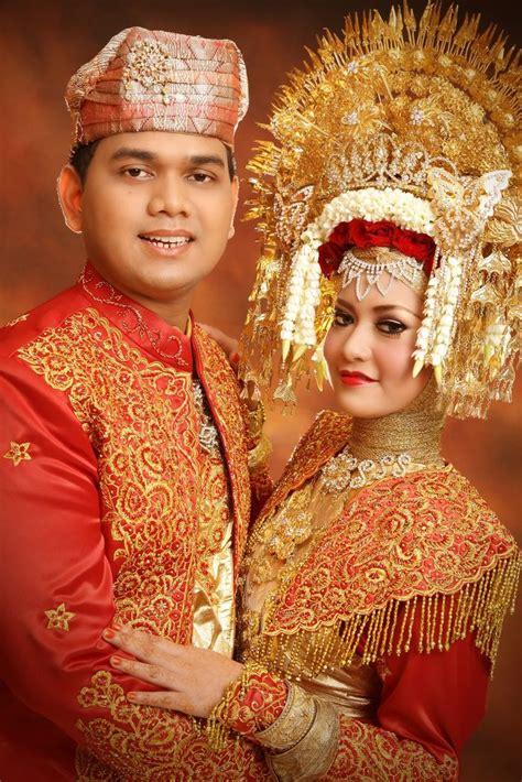 tutorial rias pengantin minang 17 best images about minangkabau wedding on pinterest