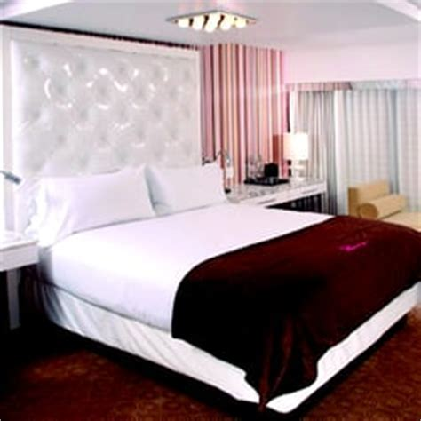 number of hotel rooms in las vegas flamingo las vegas hotel casino 2971 photos 3006 reviews hotels 3555 las vegas blvd s
