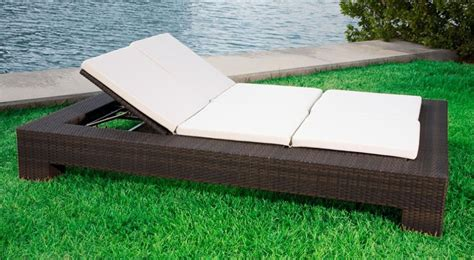 Source Outdoor King Wicker Double Chaise Lounge   Wicker.com