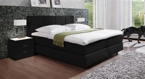schwarzes und graues schlafzimmer moderne wohnzimmerdecke mit holz