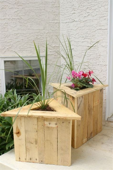 Wooden Garden Planters Ideas by Recycled Wood Pallet Planter Ideas Pallet Ideas