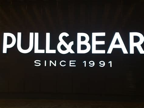 Pull And Bear | displayhunter pull and bear neon