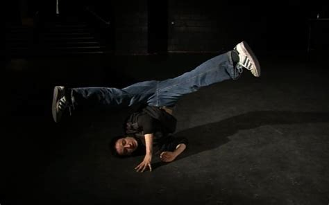 beginner breakdancing baby freeze 5 easy freezes for a bboy beginner the diaries