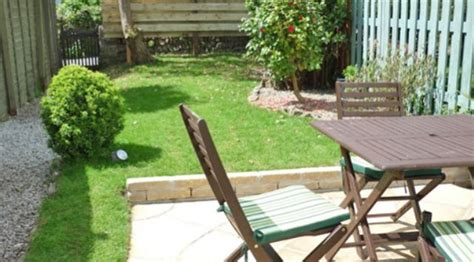 Rosies Cottage Mousehole by Around About Britain Hotels B Bs Self Catering Cottages And Csites In The Uk