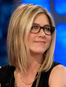 Jennifer aniston hairstyles with glasses