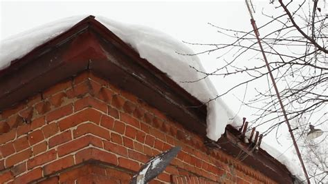 Roof Cornice Cleaning Snow From Roof Eaves Cornice Countryside House