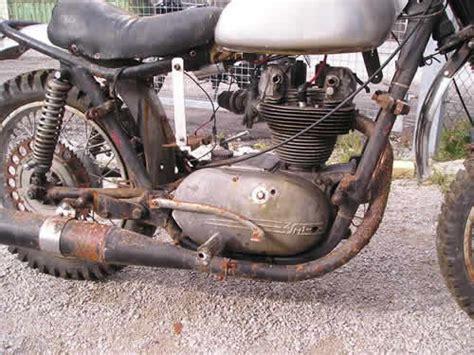 Suche Junak Motorrad by Schwarze Junak