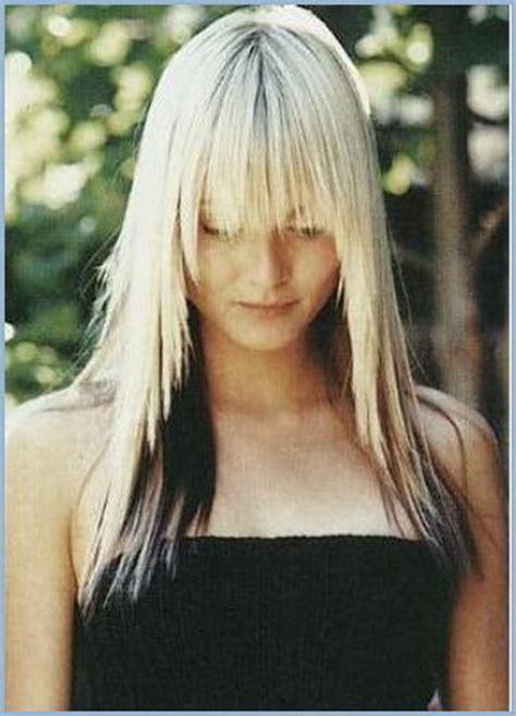 blonde haare schwarz faerben