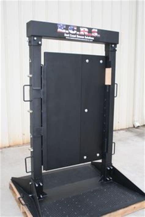 forcible entry inward swinging door door crush prop is capable of handling a commercial door