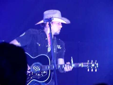 asphalt cowboy jason aldean cmt tour 2008 jason aldean asphalt cowboy youtube