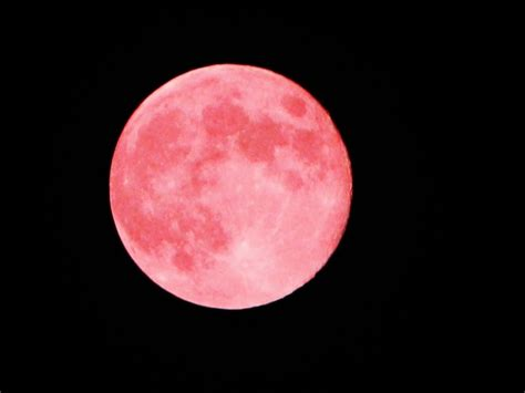 what is a pink moon this is what tonight s pink full moon means for us all