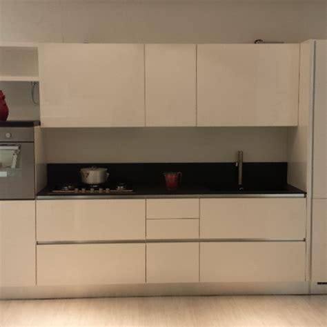 cucina lube modello brava cucina lube cucine brava laccata lucida con gola cucine