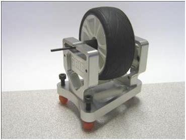 Mesin Balancing Roda Mobil spooring dan balancing roda mobil