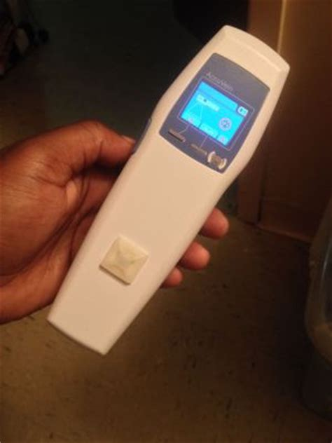 uv lights for sale used accuvein av400 uv light for sale dotmed listing