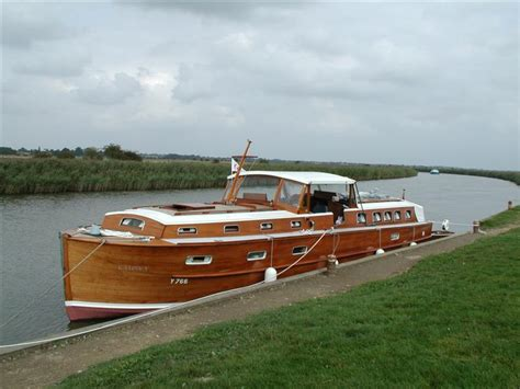 River Boat Classic River Boats For Sale Antique Boats Vintage