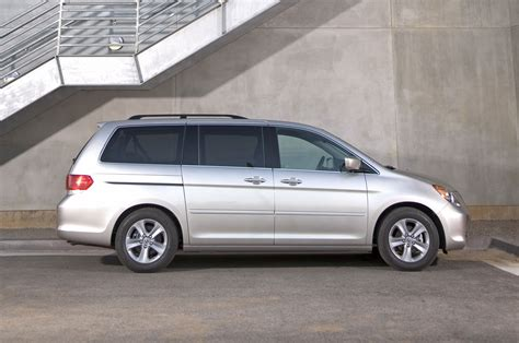 2010 Honda Odyssey Reviews by 2010 Honda Odyssey Reviews And Rating Motor Trend