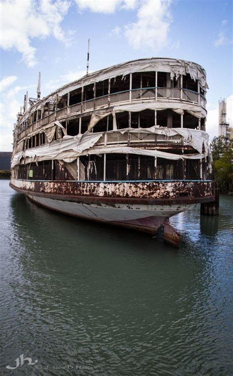 paddle boats history 10 abandoned steamboats paddle steamers riverboats