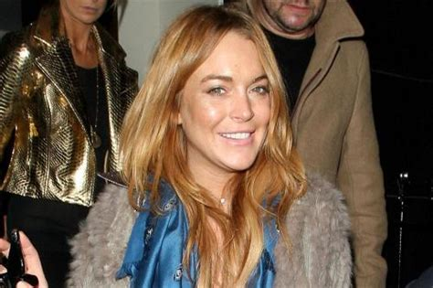Lindsay Lands Another Fashion Caign by Lindsay Lohan Did Community Service In Cafe