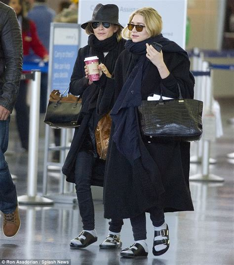 Comfort Women Compensation Mary Kate And Ashley Olsen Opt For Comfort Over Couture