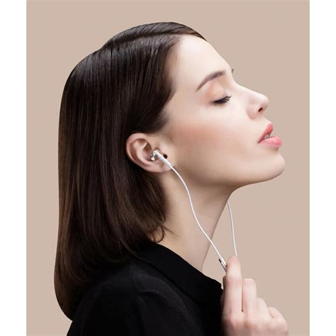 Xiaomi Quantie Pro Hybrid Driver Earphone With Mic Original xiaomi quantie pro hybrid driver earphone with mic original silver jakartanotebook